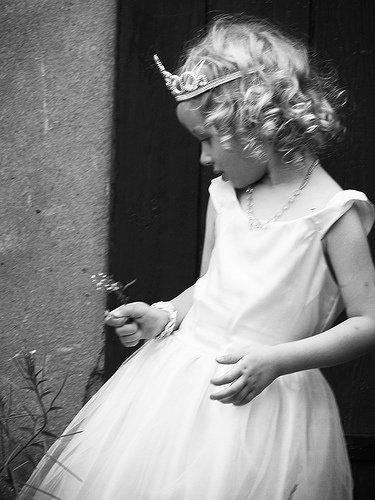 Pleurer pour un garçon !! Releve ta téte princesse , ta couronne est en train de tomber  </3 !!