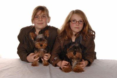 ma soeur  et moi et mes chiens