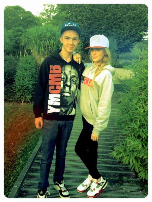 avec ma cousine en mode SWAGG x)