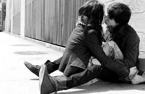 ~  Tu regrettes? C'est vrai, les paroles sont faciles à dire, mais les blessures sont difficiles à effacer!  ~