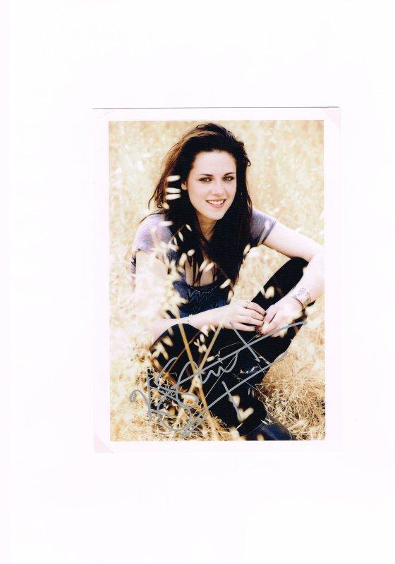 221. Kristen STEWART