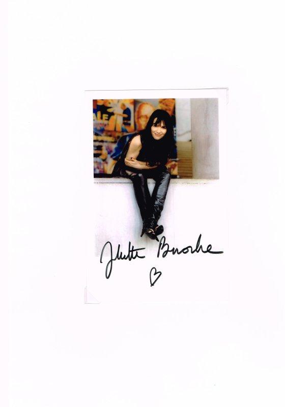 339. Juliette BINOCHE