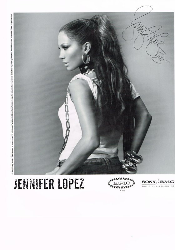 381. Jennifer LOPEZ