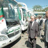 Une visite écourtée, 44 bus distribués et 10 enveloppes vides