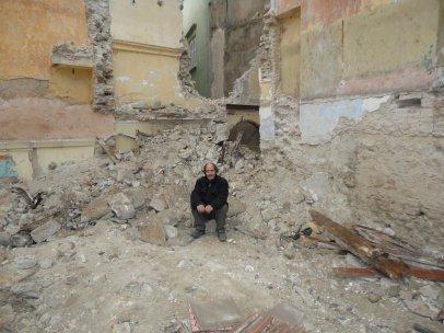 بين  ليلا  و  ضحاحى  أصبح متشردا  من  إعدادا  و  تقديم  بكاي عمر 23-04-2011