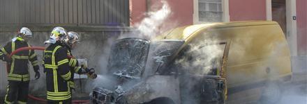 Plusieurs Incendit de véhicule Dans le Quartier de la Renaissance a Oullins