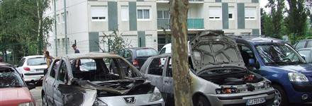 Saint-Genis-Laval/Champlong : Quatre voitures incendiées, c'est la rentrée !