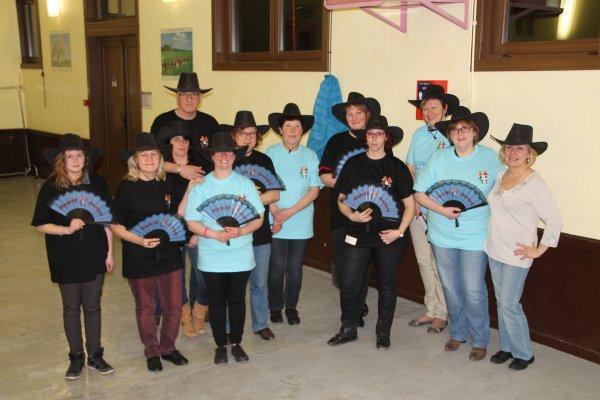 11 mars 2015 : distribution des chapeaux et tee-shirts aux nouveaux à Berelles