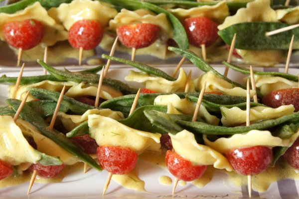 Mini-brochettes de Raviolis à la Moutarde et à l'Aneth