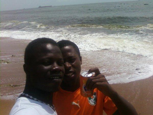 Le tres tres riche president Kasesse et moi Olive Cfa le beninois 9 karra de babie
