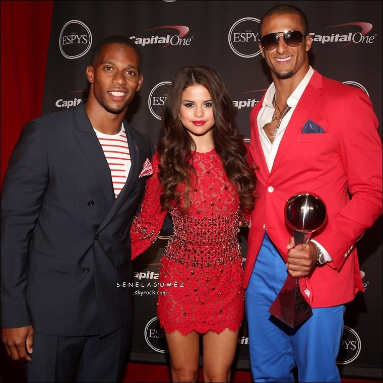 Show + tapis rouge du 17/07 au ESPY AWARDS. + clip de Slow Down qui a était tournée a Paris.