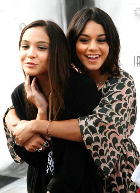Vanessa et Stella (sa soeur)