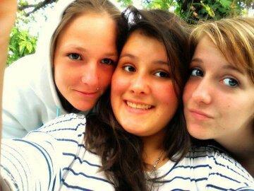 les trois fille du salle