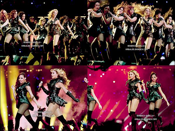 .  03/02/13 : Beyoncé performe lors de la mi-temps du Super Bowl avec les Destiny's Child !  C'est à la 2e mi-temps la plus vue de tous les temps que Beyoncé à interprétée ses plus grands succès. Top pour la tenue!  .