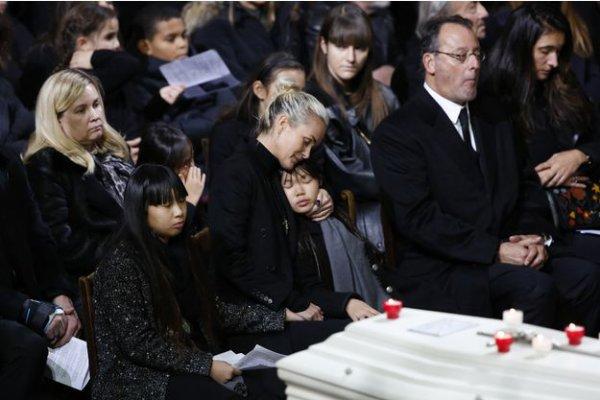 Poème, des escargots qui vont à l'enterrement, Poème dis a l'enterrement de Johnny Aujourd'hui