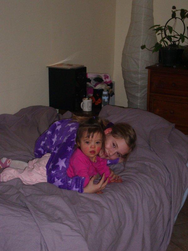 Avec ma grande soeur Laurynn, gt malade :(