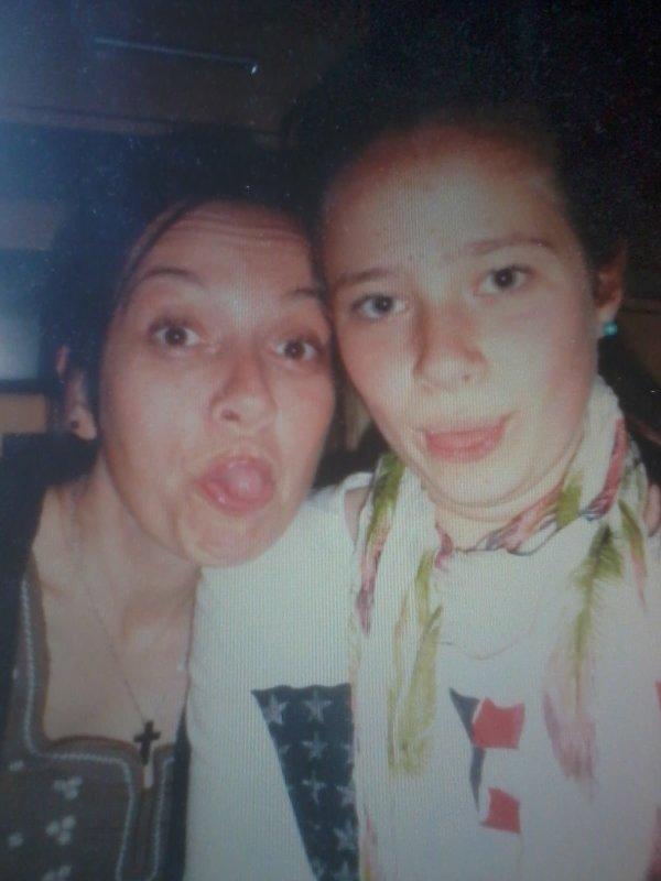 Carole (l)  ( et moi en photo )