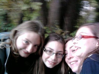 moi lara ma soeur hyac ma cousine louane ma soeur