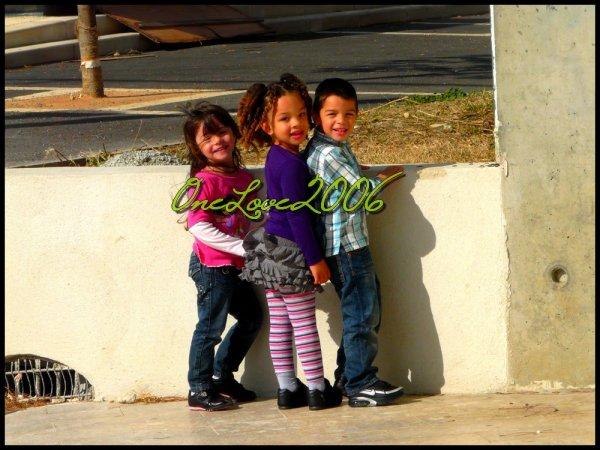 ♥ Elyah,Eden et Djessim : direction la patinoire ♥