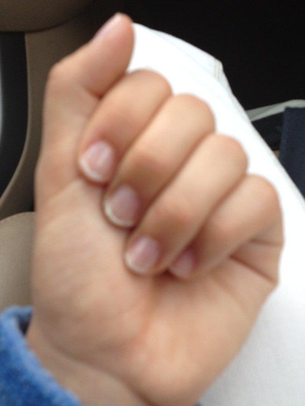 petit nail art simple