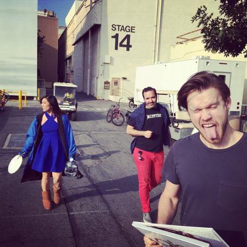 Hier c'est achevé le tournage du dernier épisode de Glee . Un grand Carnaval à ensuite eu lieu ou les acteurs et l'équipe se sont retrouvé pour célébrer ces 6 années ensembles :'( Au revoir Glee <3