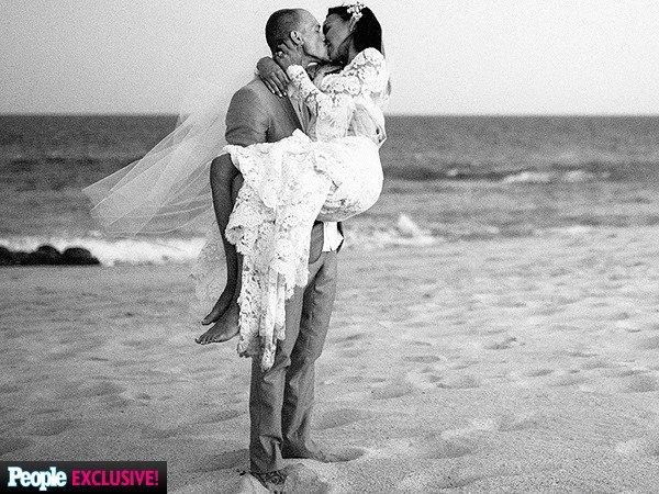 Félicitation à notre belle Naya et à Ryan :D <3 Naya est enceinte :D