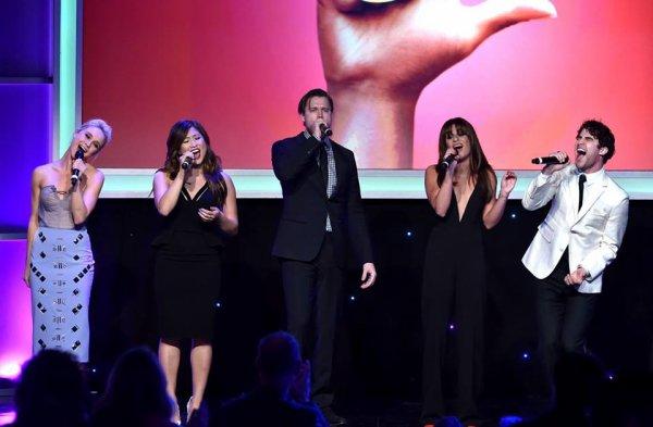 Hier soir à eu lieu The Family Equality Council's LA Awards dinner avec la présence de Chord, Darren, Harry, Alex, Ryan, Lea, Becca, Jenna et Dot :) Partie 1 :)