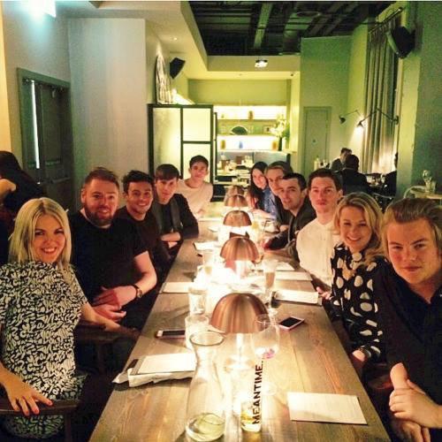 Photos de Kevin actuellement à Londres pour le tournage de la saison 2 de Virtually Famous :)