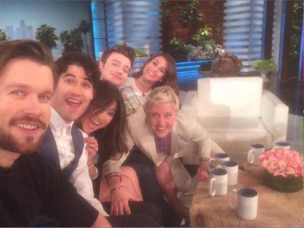 Selfie du Glee cast et Ellen DeGeneres ;)