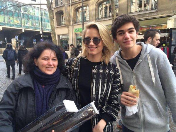 Dianna et des fans à Paris aujourd'hui :)