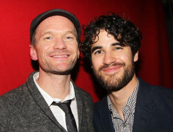 Darren célèbre la dernière performance de Lena Hall dans «Hedwig :)
