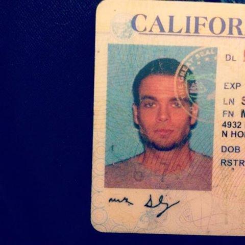 Mark vient de retrouver son permis expiré datant d'il y a environ 10 ans lol ;)