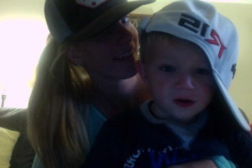 Heather a posté cette photo d elle et son fils sur Twitter  trop chou :)