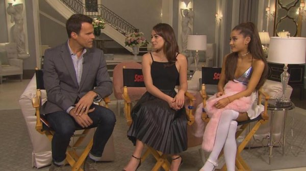 Lea et Ariana sur le set de Scream Queens, interview :)
