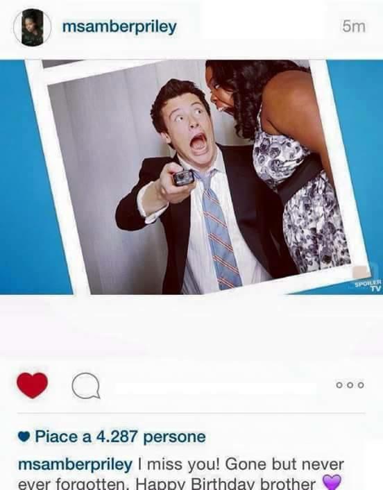 Twitte et instagram pour l'anniversaire de Cory