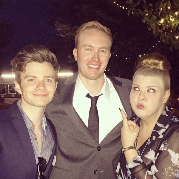 Hier, Chris a assisté, avec Ashley Fink, au mariage de Tiffany Rinehart :)