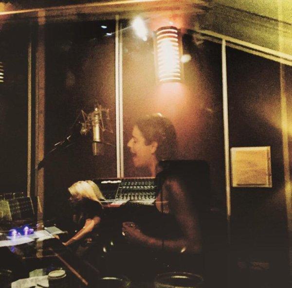 Lea était hier en studio pour enregistrer un titre écrit par Ali Tamposi :D <3