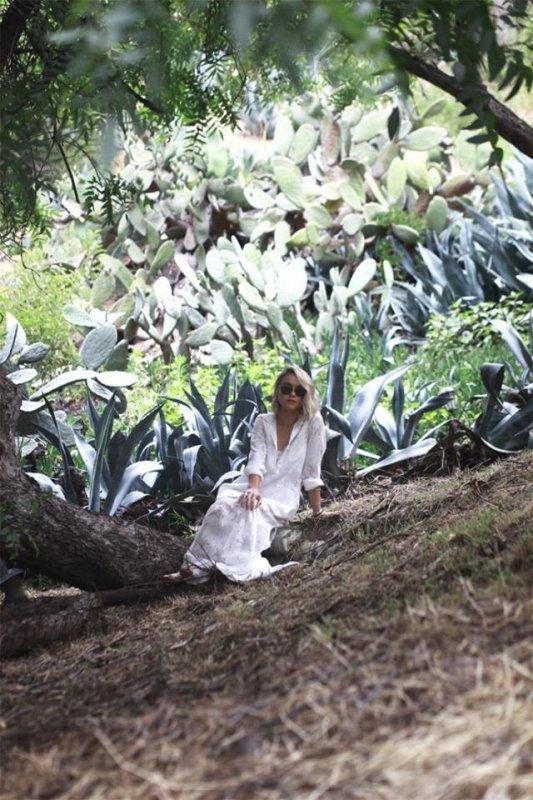 Nouvelles photos d un shooting de Becca pour June Moss :)