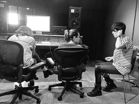 Lea était hier en studio pour travailler sur son second album :) hâte de l'entendre <3 :)