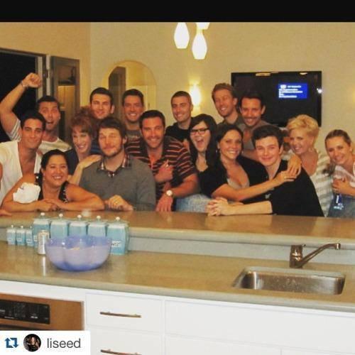 Chris s'était rendu à une soirée chez Tiffany Rinehart, où se trouvait aussi Ashley mais aussi CHRIS PRATT! :)