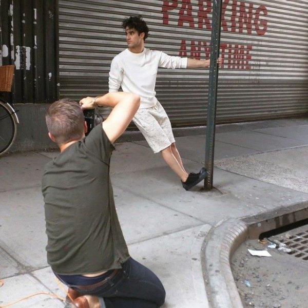 Dans les coulisses de Broadway Style Guide pour un nouveau photoshoot. 1 juillet :)