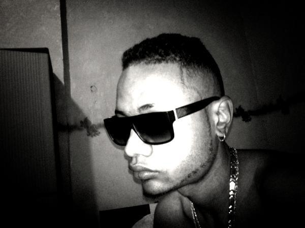 DJ DJEYZ™ a must baby...