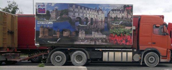 Voici le camion de mon nouveau boulot dans le nord ( Région de Tours )