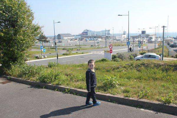 Petite virée au port (poème)