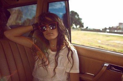 ★ On ne se met pas à ne plus aimer quelqu'un. On se met à aimer quelqu'un d'autre. ★