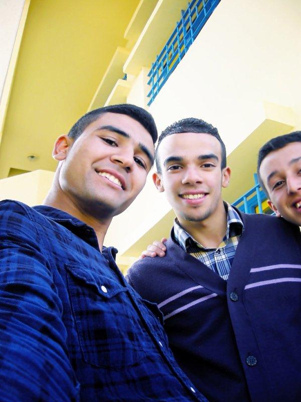 Avec KhoYa karém Et FaissaL , In Sckool ♥