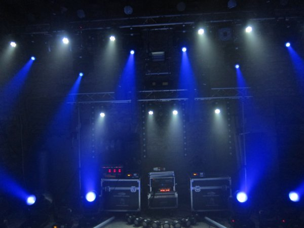 Nouveau : Mini Lyre Wash LED 7x10W RGBW