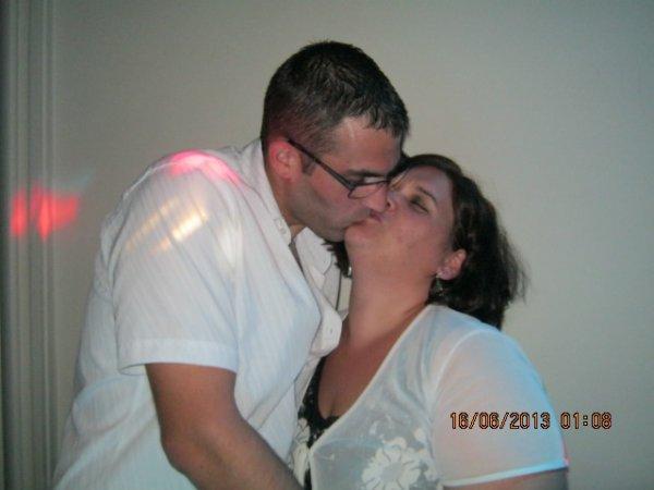 CA Y EST NOS 1 AN DE MARIAGE SONT PASSEZ QUE LE TEMPS PASSE VITE QUE DU BONHEUR