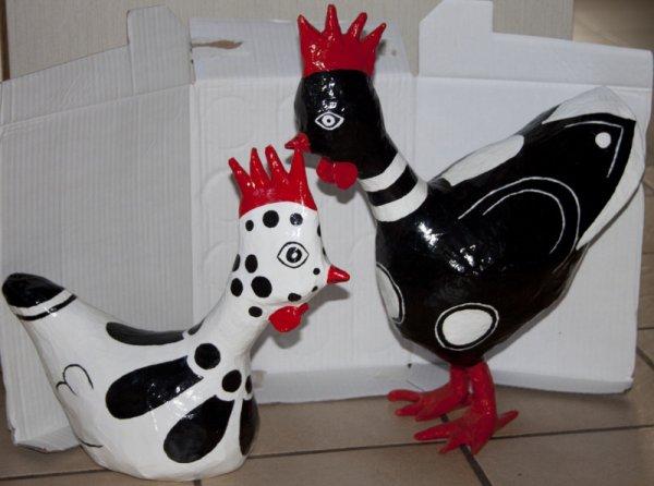 poules papier mach bricolage vie f minine de glons. Black Bedroom Furniture Sets. Home Design Ideas