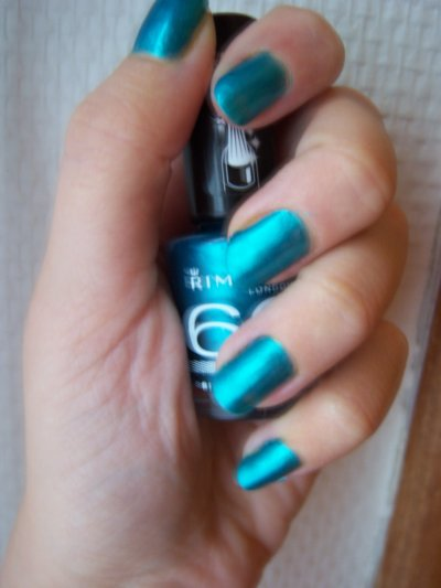 Vernis RIMMEL n°819 - Green with envy